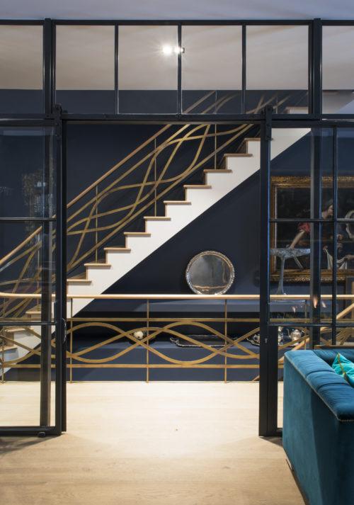 Scale. Campden Hill Road, Londra. 2017, foto di Xavier Béjot   maii-interiors.com
