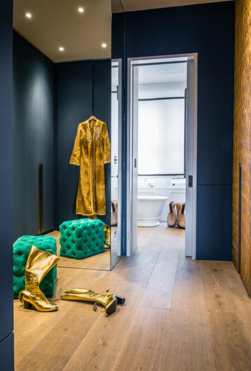 Anticamera bagno. Campden Hill Road, Londra. 2017, foto di Xavier Béjot   maii-interiors.com