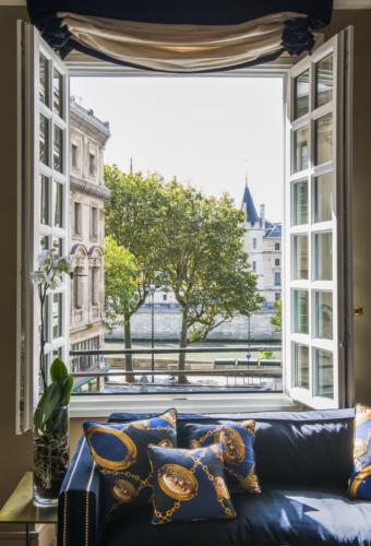 Vista finestra. Lavandieres, Notre Dame, Parigi. 2017, foto di Xavier Béjot | maii-interiors.com